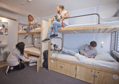 6 Bed Dorm Shared Bathroom, Absoloot Hostel QT